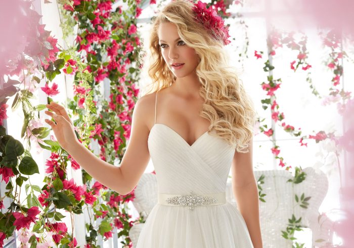 Mori lee 6812 wedding dress